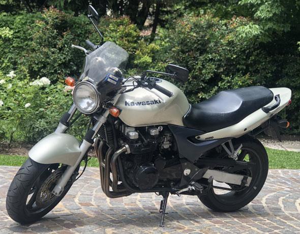 Moto Kawasaki ZR7