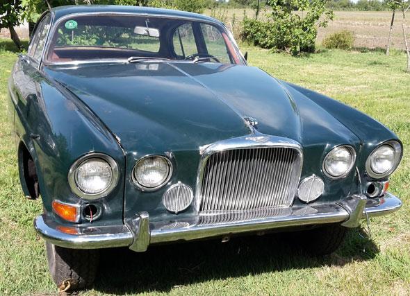 Auto Jaguar MK10
