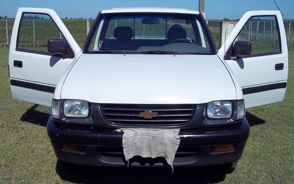 Car Chevrolet Luv