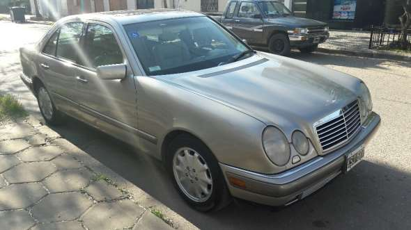 Auto Mercedes Benz E320 Elegance AT