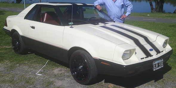 Car Ford Exp