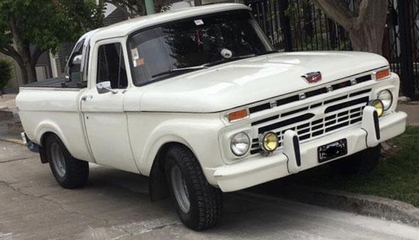 Auto Ford F100 1967