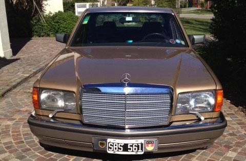 Car Mercedes Benz 300 SE 1985