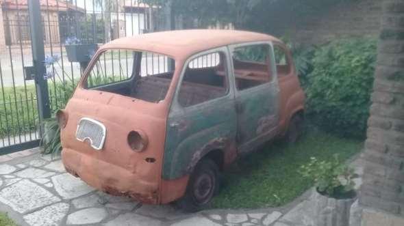 Car Fiat Multipla