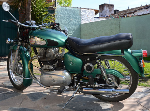 Royal Enfield Super Meteor 700 Motorcycle
