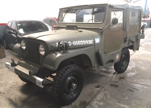 Auto Jeep IKA 1973