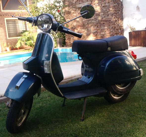 Vespa 1999 Motorcycle