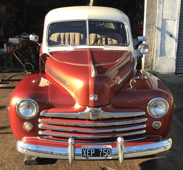 Car Ford Coupé 1947