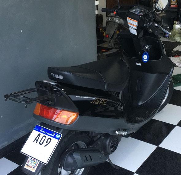 Moto Yamaha Axis 90