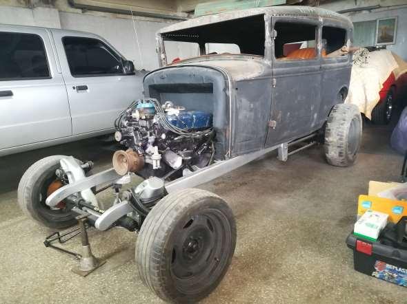 Auto Ford A Tudor Hot Rod V8