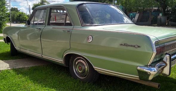 Auto Chevrolet Super 230 400