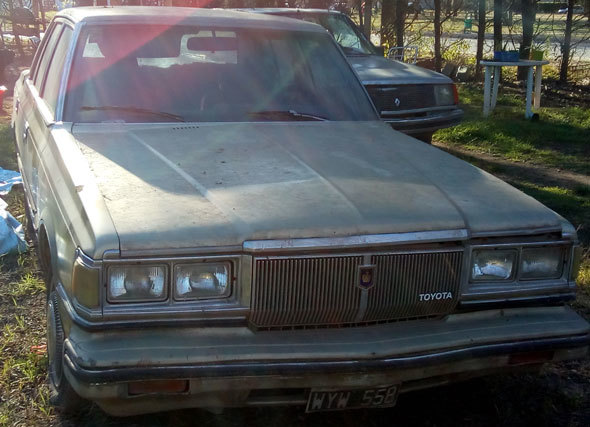 Auto Toyota Crown