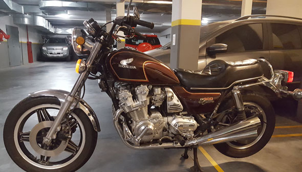 Moto Honda CB900