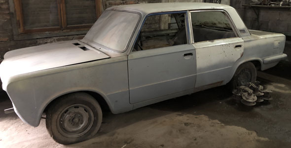 Car Fiat 125 Berlina