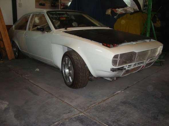 Car Alfa Romeo GTV