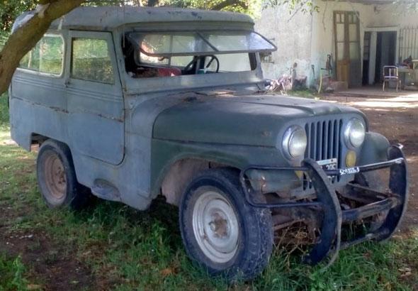 Auto Jeep IKA Carrozado Corto