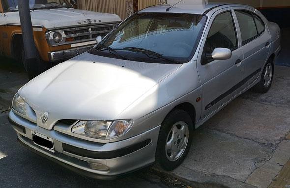 Car Renault Megane RXE