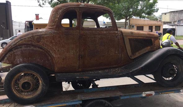 Auto Ford Coupé 1934 5W