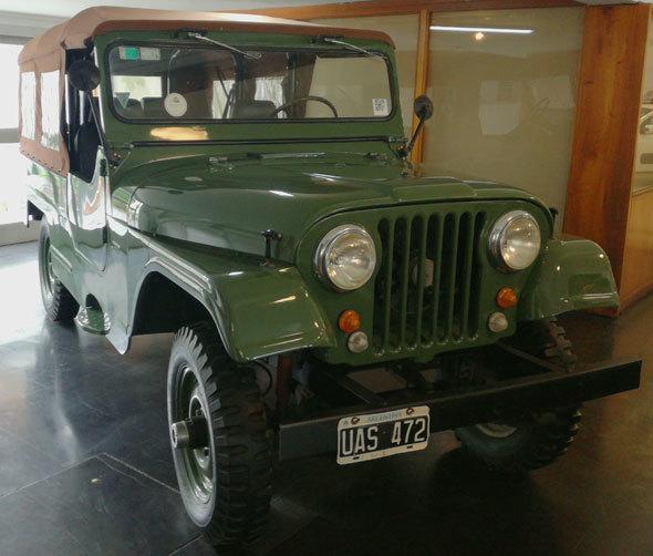 Auto Jeep Caja Larga 4x4 U.S Army