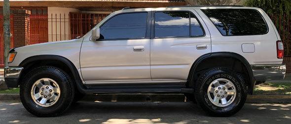 Auto Toyota Hilux SW4