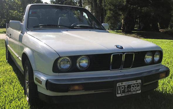 Auto BMW 325 I E 30 Cabrio