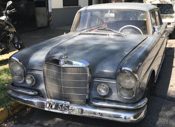 Auto Mercedes Benz 220S 1964