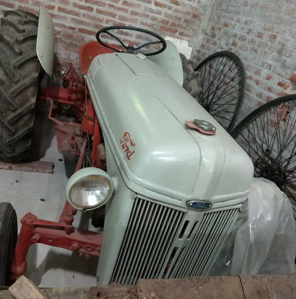 Auto Ford Tractor