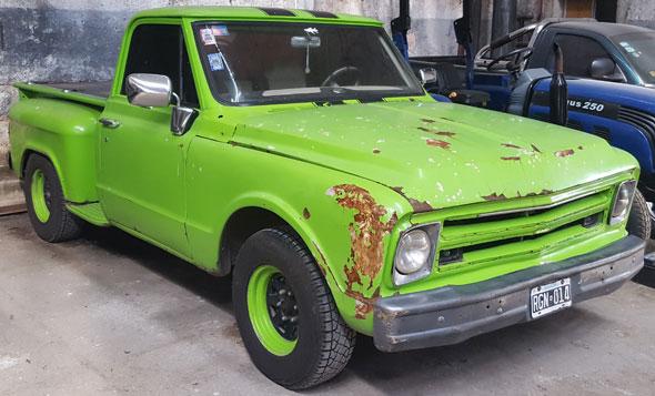 Auto Chevrolet C-10 Brava