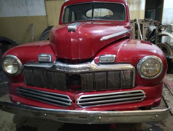 Car Mercury Coupé 1947