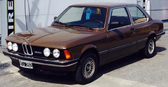 Auto BMW 320 E21