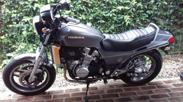 Moto Honda Sabre VF 750 1983