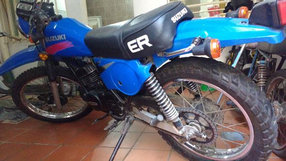 Moto Suzuki TS 185