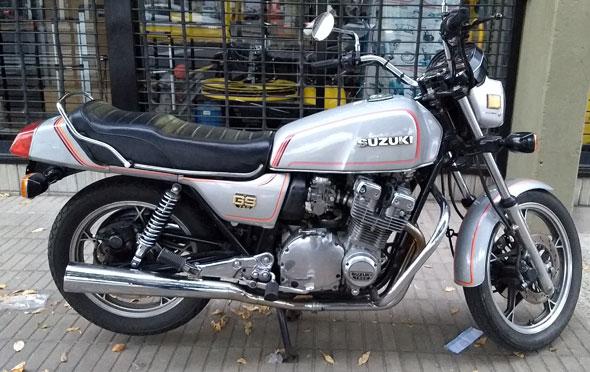 Moto Suzuki GS 750