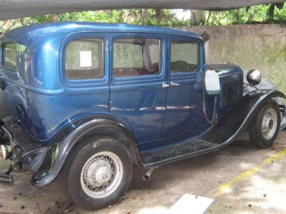 Auto Ford 1932 Sedán
