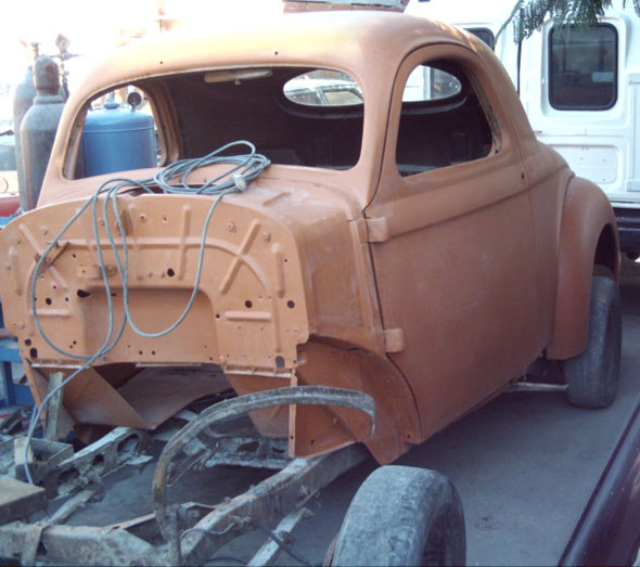 Auto Willys 1941 Coupé