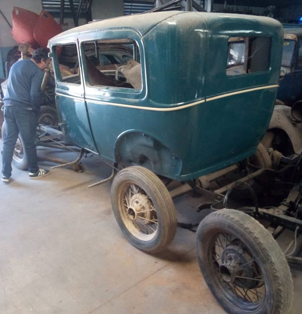 Auto Ford Two Door