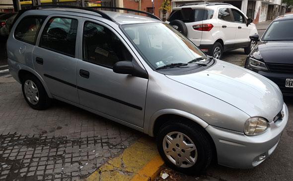 Auto Chevrolet Corsa Wagon