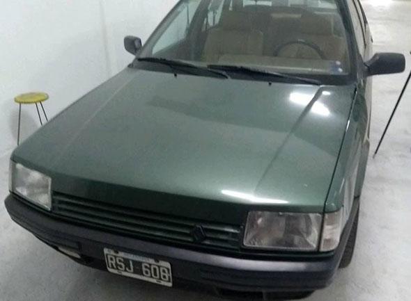 Auto Renault 21