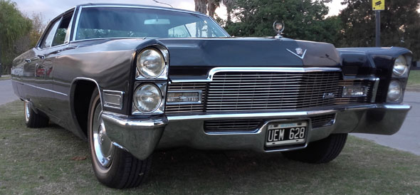 Auto Cadillac De Ville 1968