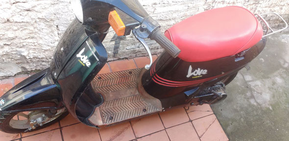 Moto Suzuki Love
