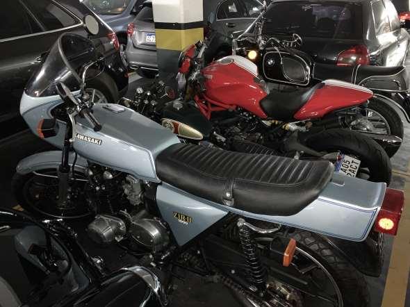 Moto Kawasaki Z1R