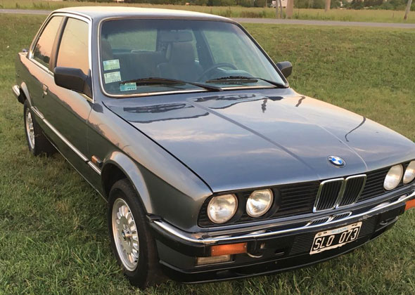 Auto BMW E30