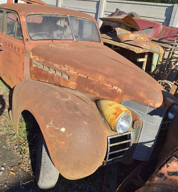 Auto Oldsmobile 1939 Sedán 4 Puertas