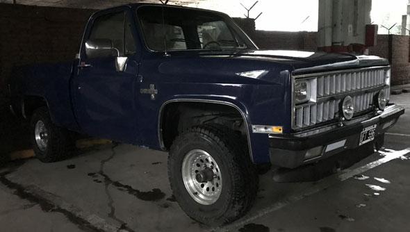 Auto Chevrolet Cheyenne 4x4