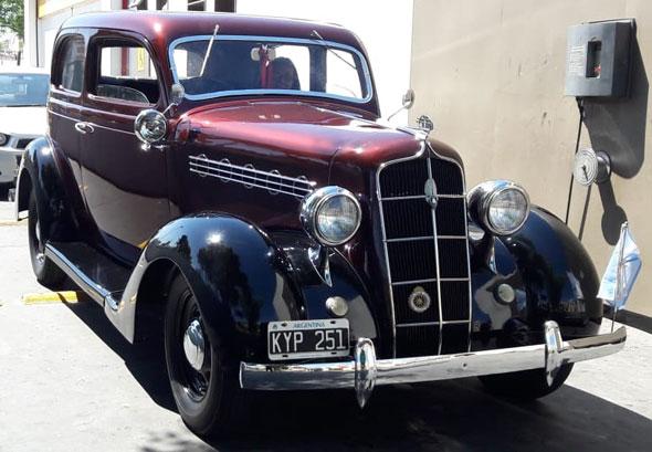 Auto Plymouth 1935