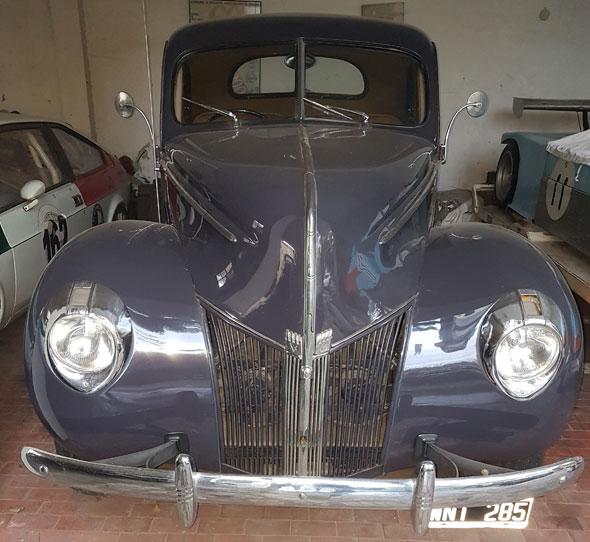 Auto Ford 1940 V8 Coupé