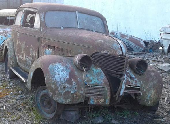 Auto Chevrolet Sedán