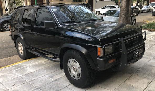 Auto Nissan Pathfinder