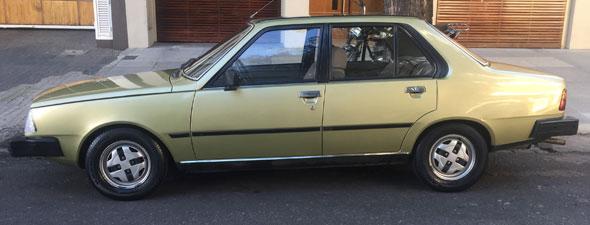 Auto Renault 18