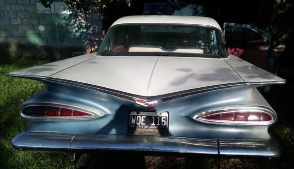 Auto Chevrolet Impala Belair